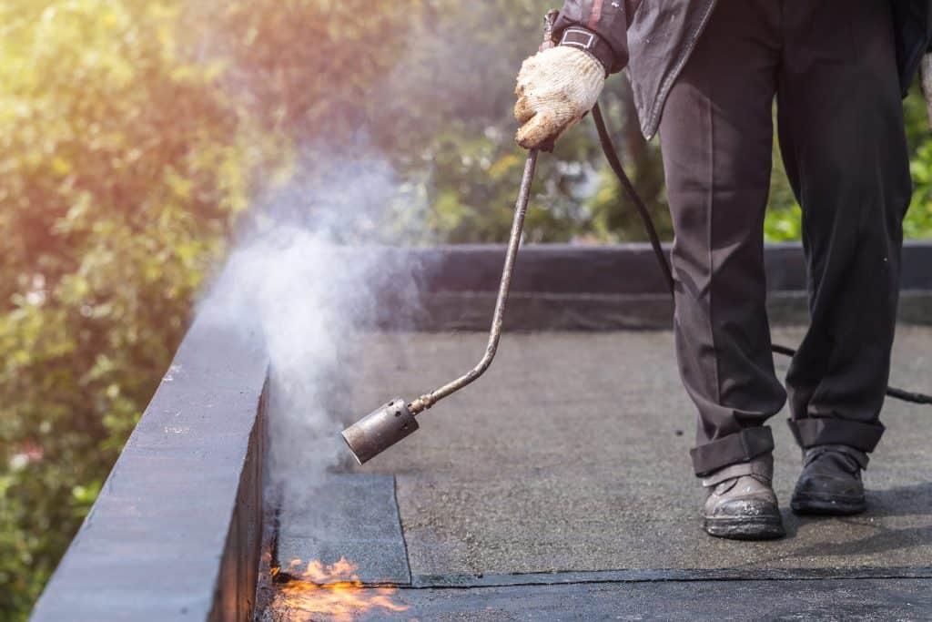 תיקון גגות בתל-אביב